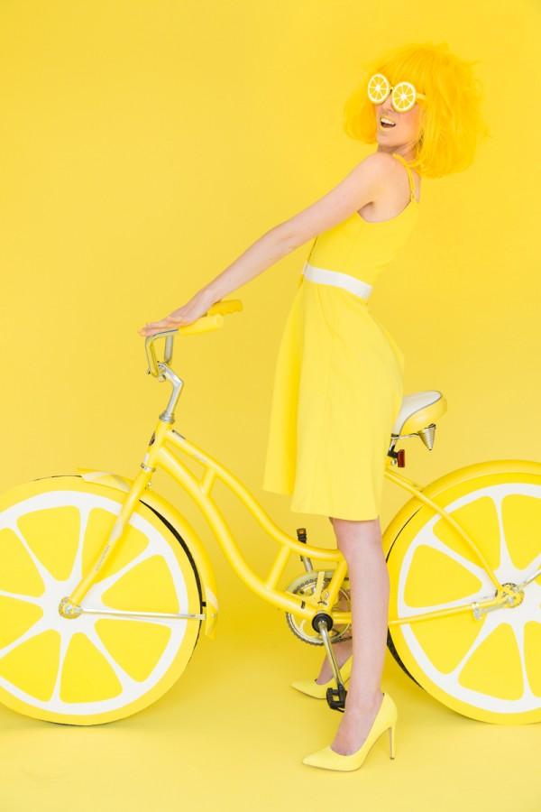 DIY lemon photo booth by Studio DIY