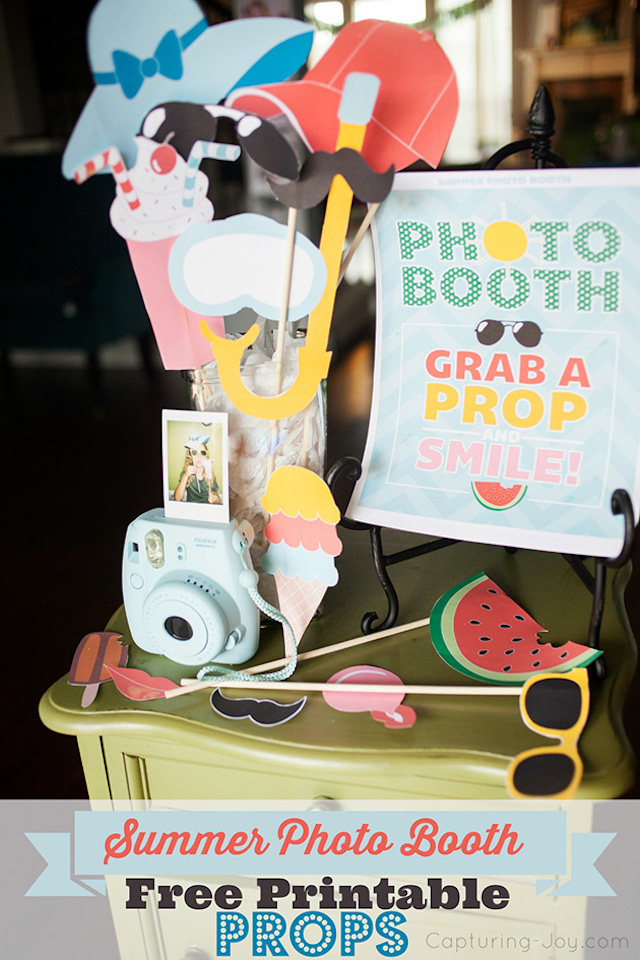 Printable summer photo booth props by Kristen Duke