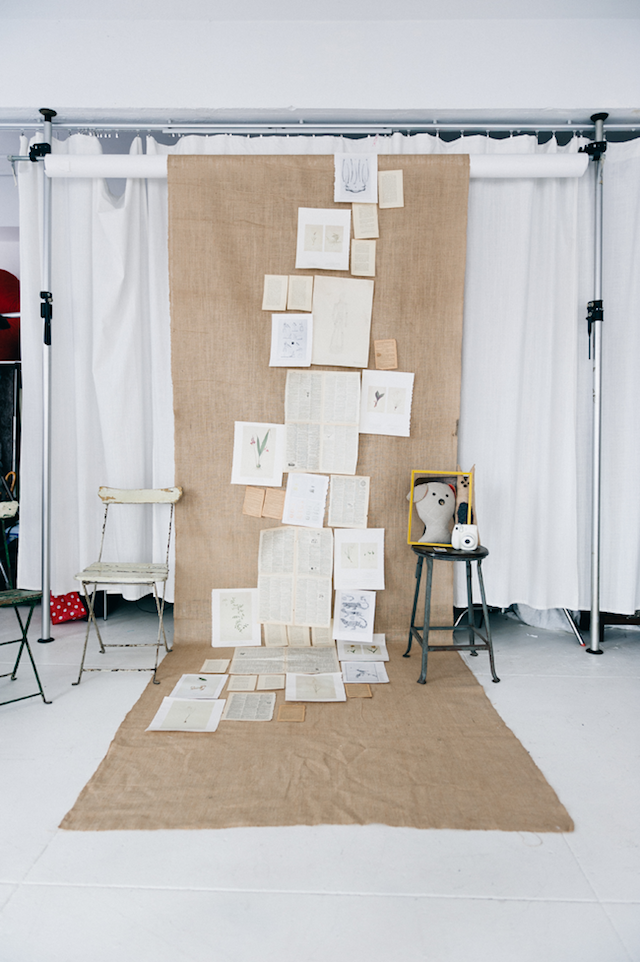 Diy photo booth backdrops the ultimate list book and burlap backdrop solutioingenieria Choice Image