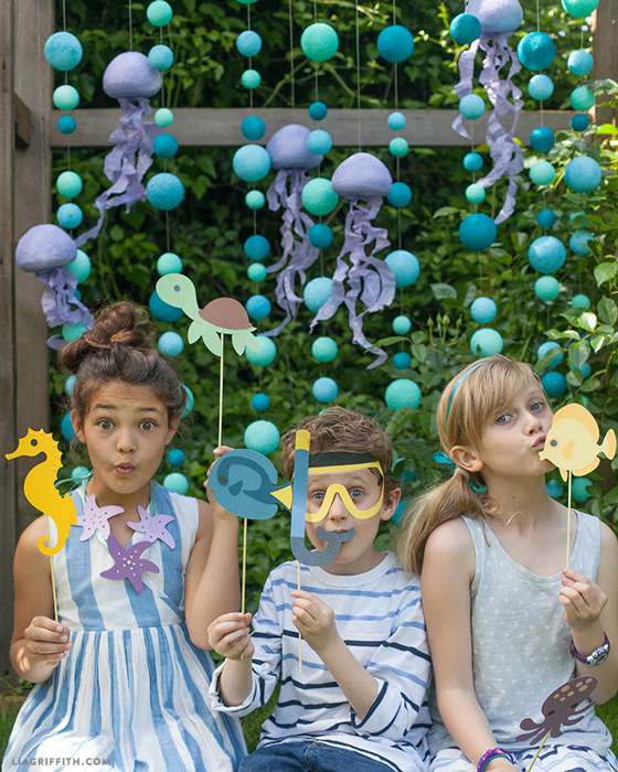 Bubble and jelly fish photo booth backdrop