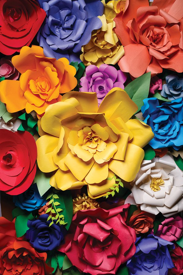 DIY giant paper flower photo backdrop