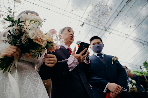 Father speech for the couple at their wedding ceremony at the venue photograph photography